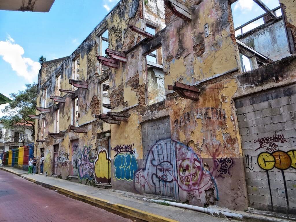 Melko moni vanhan kaupungin taloista kaipaisi pientä remonttia