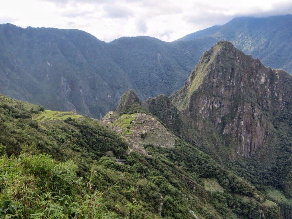 Machu Picchu Aurinkoportilta nähtynä