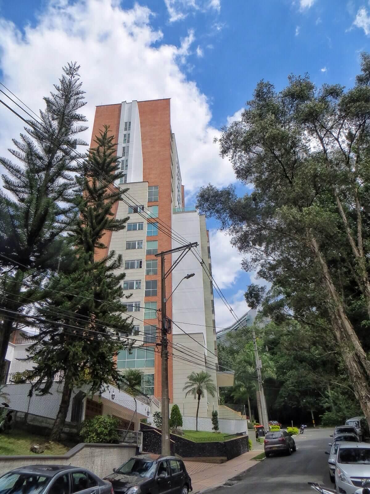 Huoneistomme sijaitsi Blux Apartementos -rakennuksessa