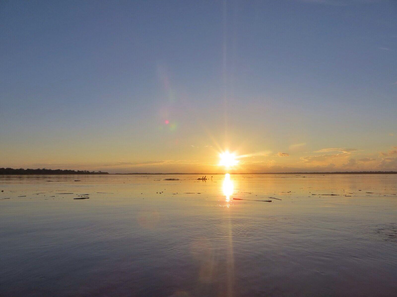 Aurinko laskee Peruun...