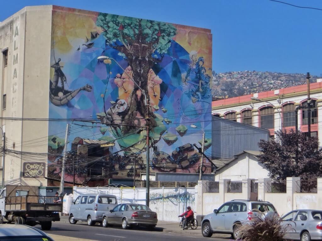 Hienoja seinämaalauksia löytyy joka nurkalta.