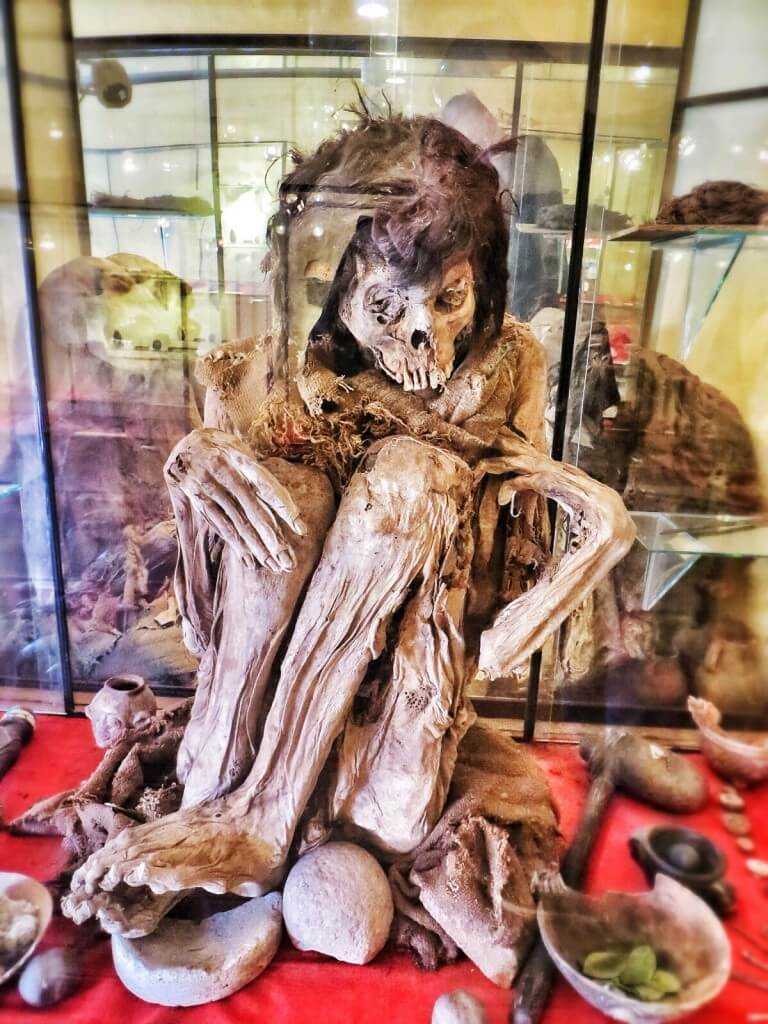 5000 vuotta vanha muumio Pukaran museossa.