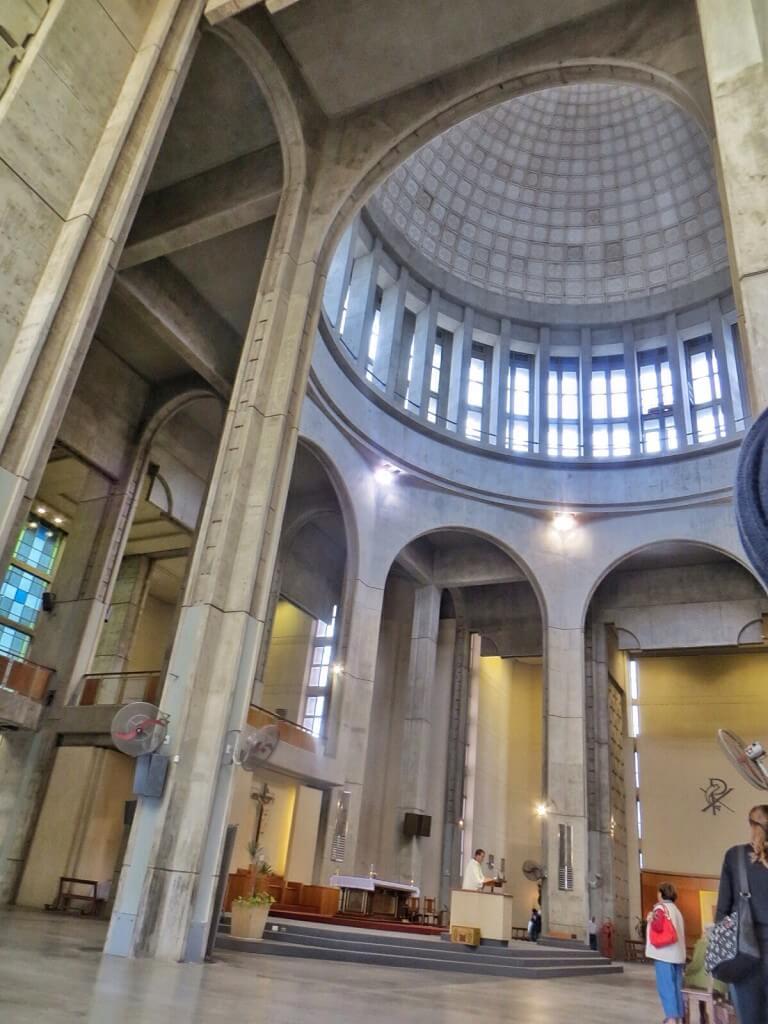 Santuario de la Virgen del Rosario de San Nicolas sisältä.