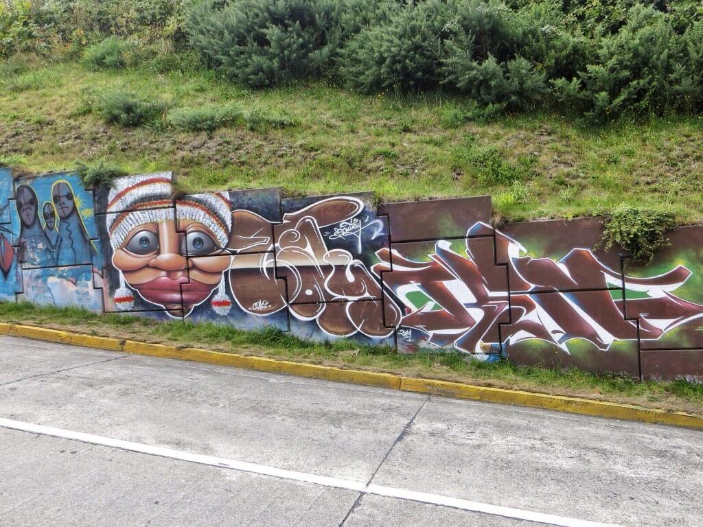 Ja mäkiä ja graffiteja.
