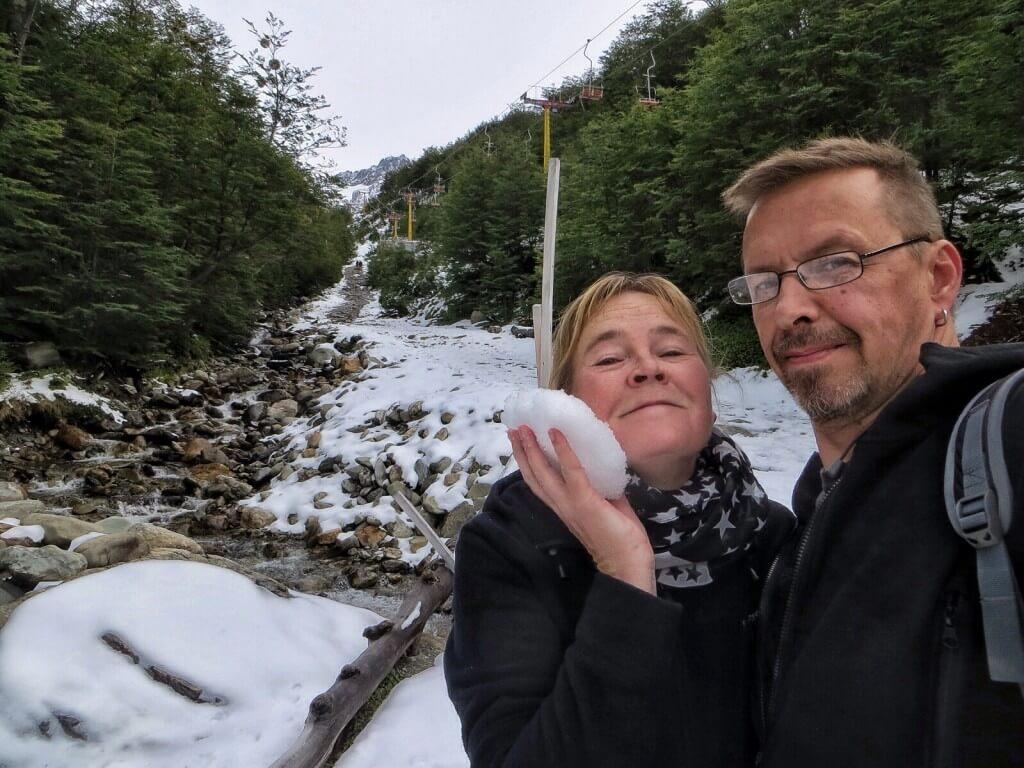 Suomessa ei kuulemma ole lunta. Täälläpä on, vaikka on vielä loppukesä.