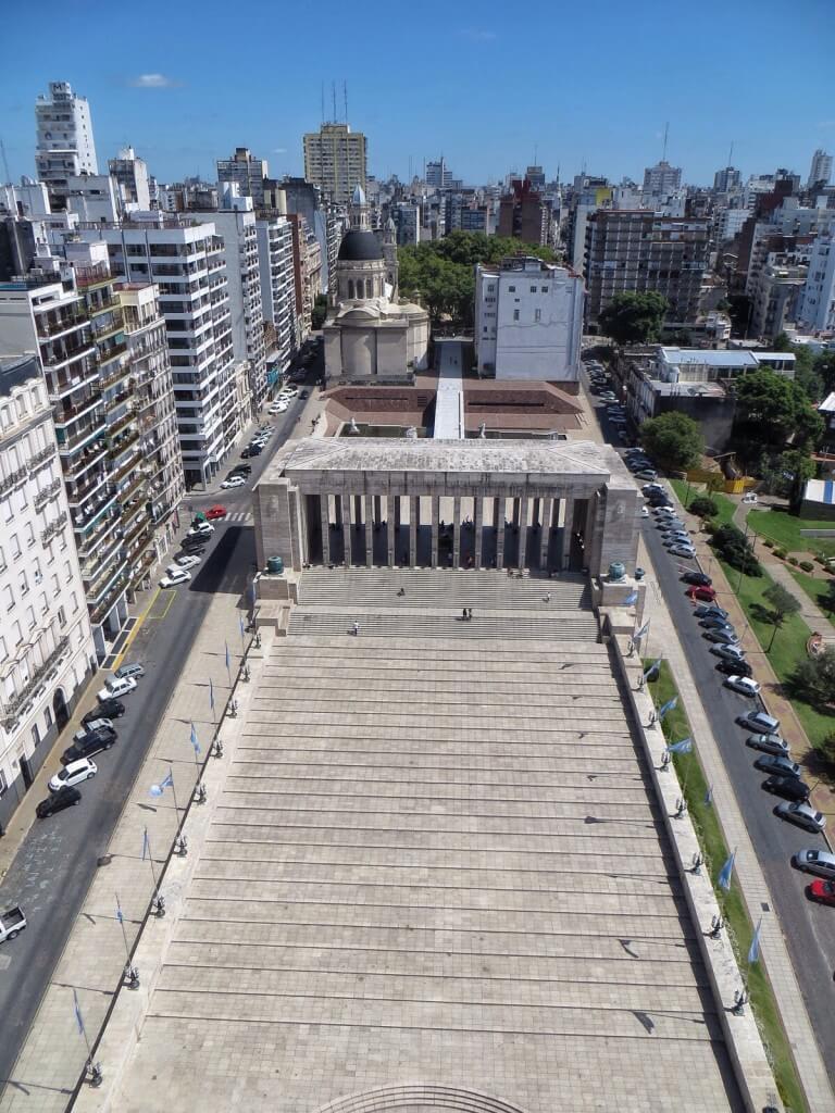 Banderan tornin huipulta oli mahtavat näkymät Rosarion yli.