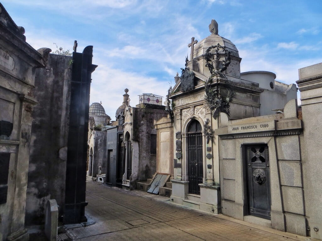 Cementerio de la Recoleta oli hieno paikka. Kuolleiden kaupunki.