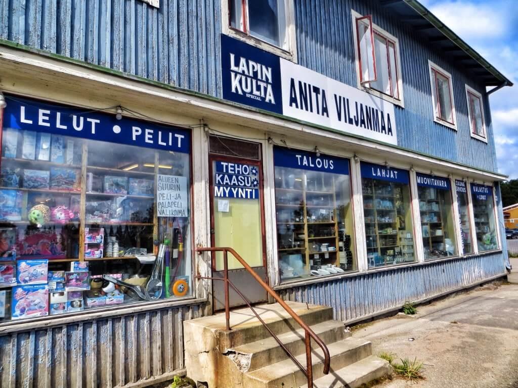 Alueen suurin peli- ja palapelivalikoima, Ruovesi.