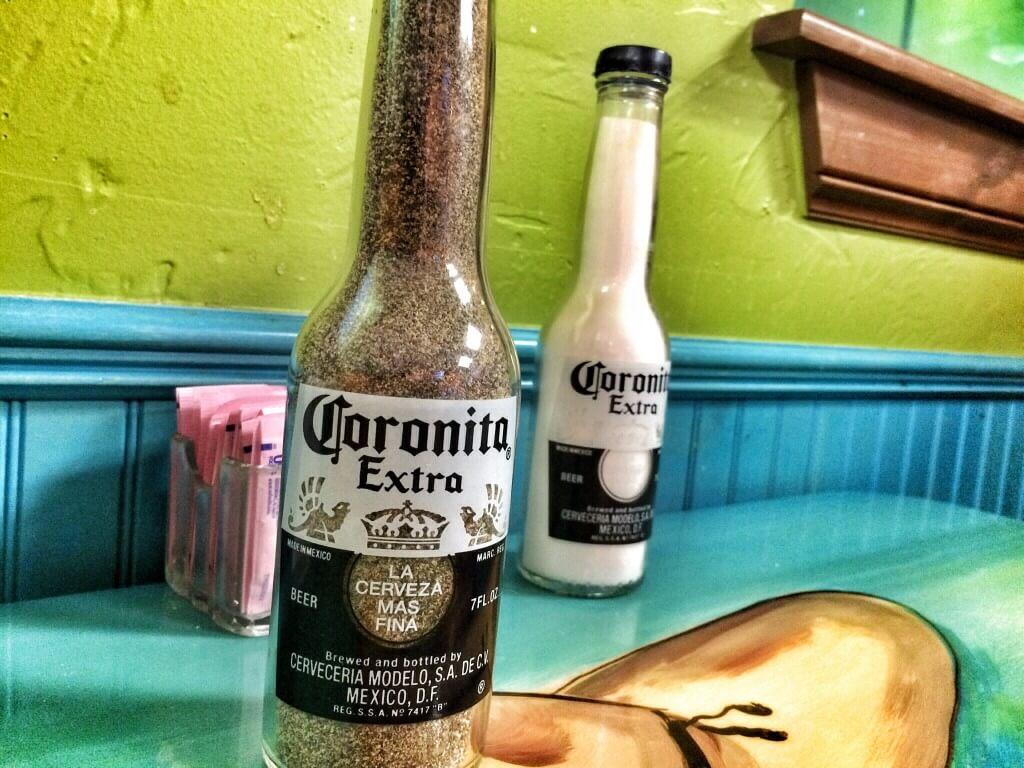 Sal y pimienta. Pedro's Mexican Food, Elk City, OK.