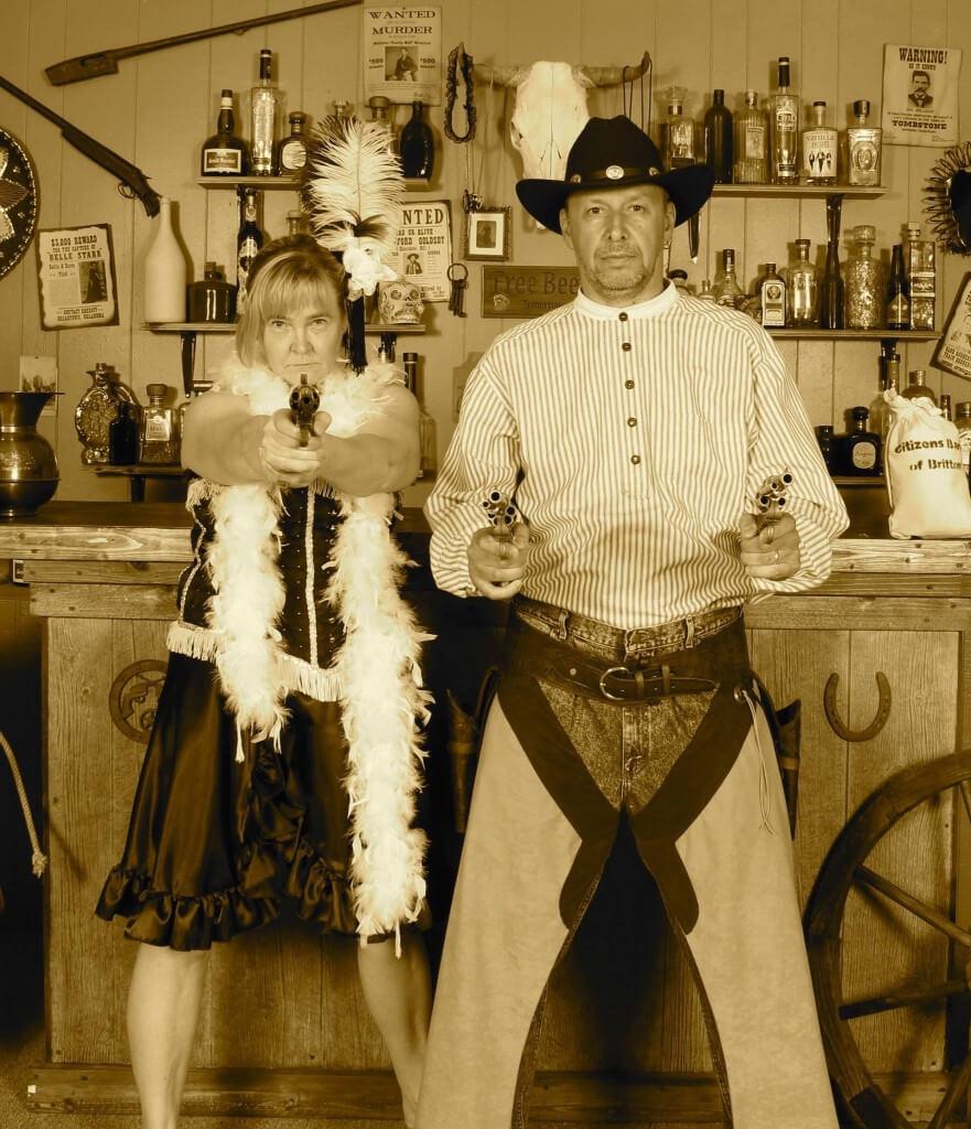 Meissä kaikiss asuu pieni lainsuojaton. Mother Road Old Time Photos, Tucumcari.