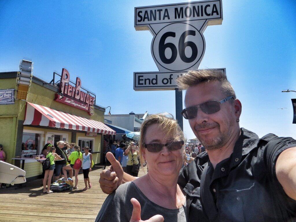 Varsinainen Route 66 loppui jo parin korttelin päähän, mutta virallinen lopetuspiste on tässä, Santa Monican laiturilla.