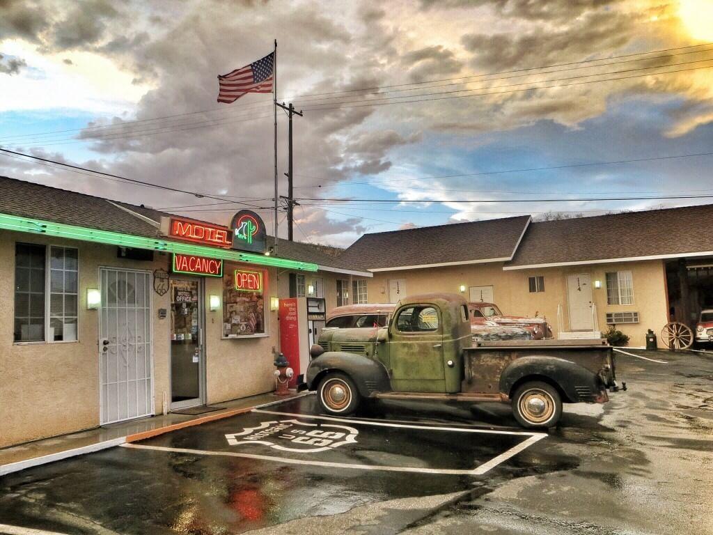 Route 66 Motel sateen jälkeen.