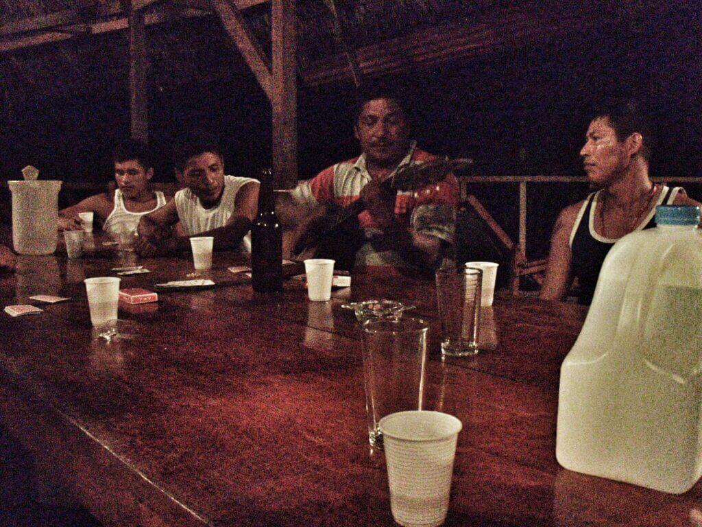 Kovia olivat laulamaan ecuadorilaiset metsurit.
